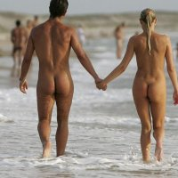 Nudist idea #12: Subscribe to this blog and share it