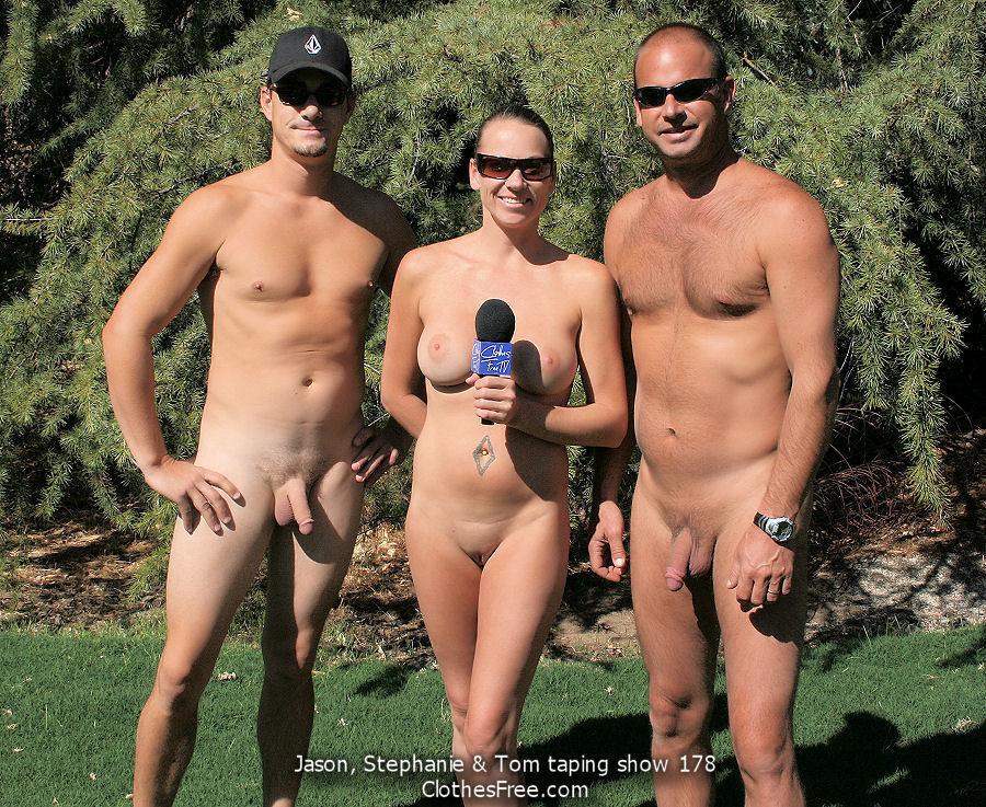 фото мужчин и женщин нудистов