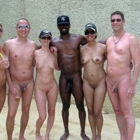 Newbies guide to nudism: 9 good reasons to become a nudist, from @nudistcultureEx