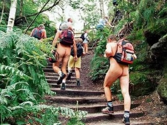naked_hiking